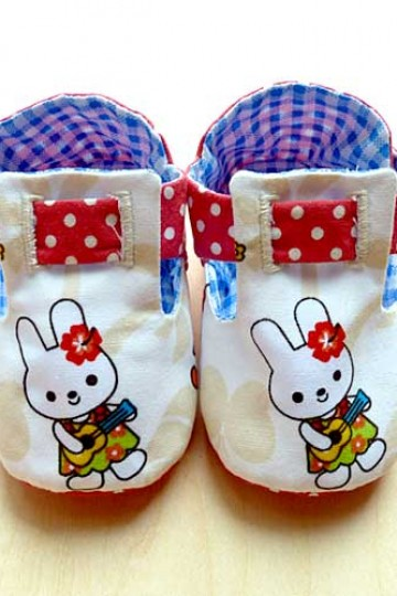 littleoddforest | Button-Me Baby Booties (Kawaii Bunny)