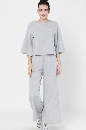 Khaty Set in Light Grey