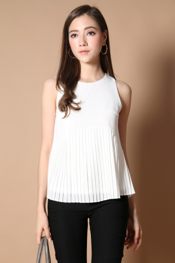 *BACKORDER* Cartell Pleated Babydoll Top in White